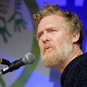Glen Hansard sang a new version of his Oscar winning song Falling Slowly outside Leinster House at the Songs And Words For A Home For All event organised by the #MyNameIs campaign group and Inner City Helping Homeless, Dublin, Ireland - 12.12.17. Pictures: Cathal Burke / VIPIRELAND.COM **IRISH RIGHTS ONLY**